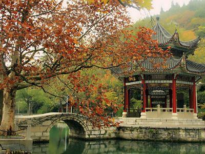 Longquan Park (East Gate)
