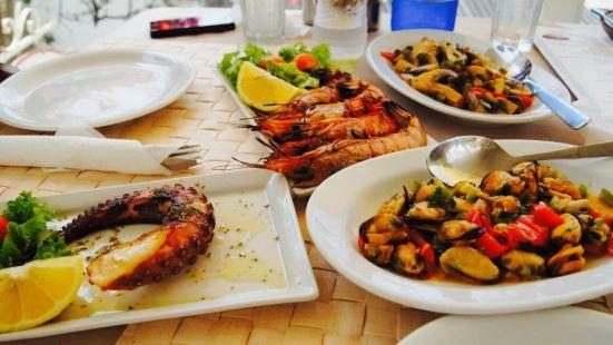 Louis Family Restaurant