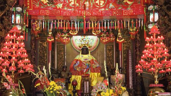 Ha Chuong Hoi Quan Pagoda