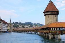 卡佩尔廊桥和八角型水塔-卢塞恩-12854778