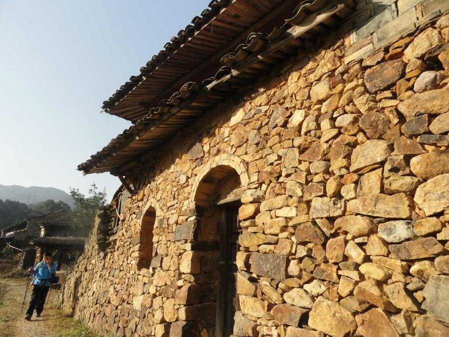 内有浙东大峡谷,华东第一森林温泉的宁海温泉