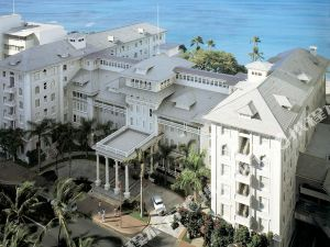 威斯汀莫阿納沖浪者溫泉度假酒店(Moana Surfrider, A Westin Resort & Spa, Waikiki Beach)