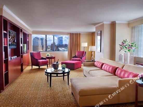 紐約市中心萬豪酒店(New York Marriott Downtown)特大床總統套房(帶沙發床)