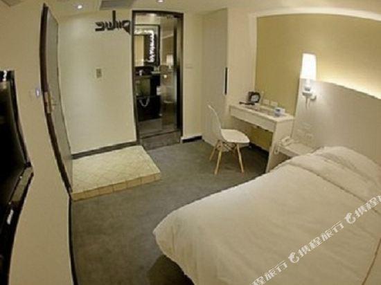 台北二十輪旅店-西門館(Swiio Hotel)高級客房無窗雙人房