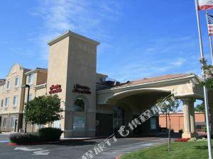 聖何塞歡朋套房酒店(Hampton Inn & Suites San Jose)