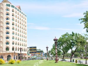 金邊瓦倫納酒店(La Varenne Hotel Phnom Penh)