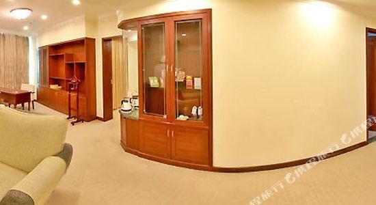 深圳景田酒店豪華套房客廳