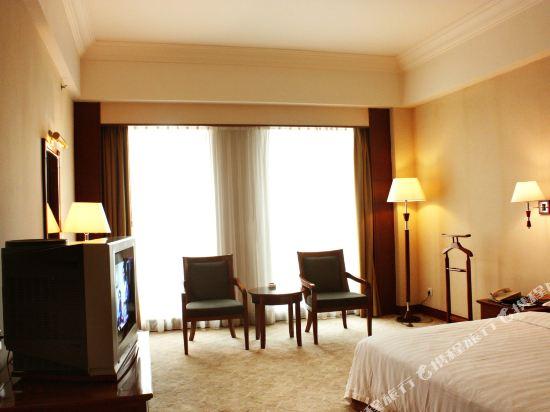 東莞石龍名冠金凱悅酒店(Gladden Hotel (Shilong Town))豪華客房