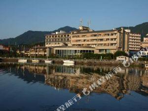 琵琶湖綠水亭酒店(Biwako Ryokusuitei)