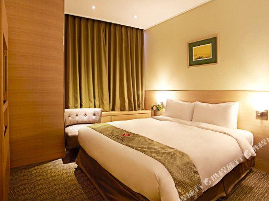 首爾天空花園酒店明洞中心店(Hotel Skypark Central Myeongdong Seoul)標準雙人房