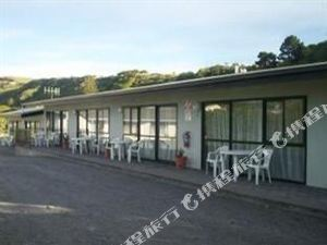 塞拉利昂海濱汽車旅館(Sierra Beachfront Motel)