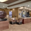 海港大廈套房酒店(Harbour Towers Hotel & Suites)