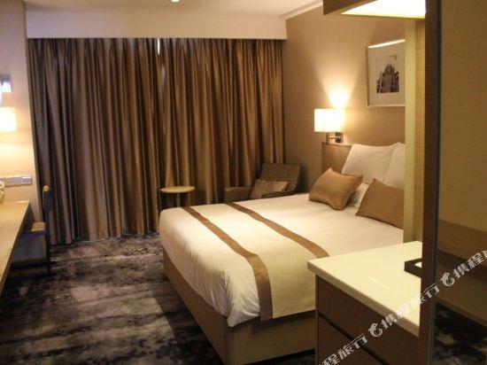 上海徐匯云睿酒店(原云睿酒店(上海徐家匯八萬人體育場店))和頤商務大床房