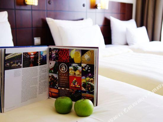 香港灣仔帝盛酒店(Dorsett Wanchai)豪華三人客房(3張單人床)(全新裝潢)