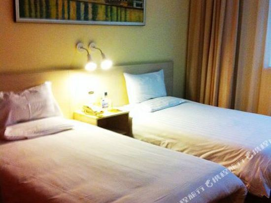 上海陸家嘴聯洋和頤酒店標準雙床房