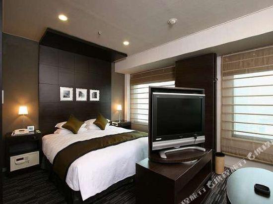 新宿王子大酒店(Shinjuku Prince Hotel)豪華大床房
