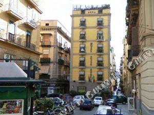 那不勒斯艾斯德拉套房酒店(Suite Esedra Naples)