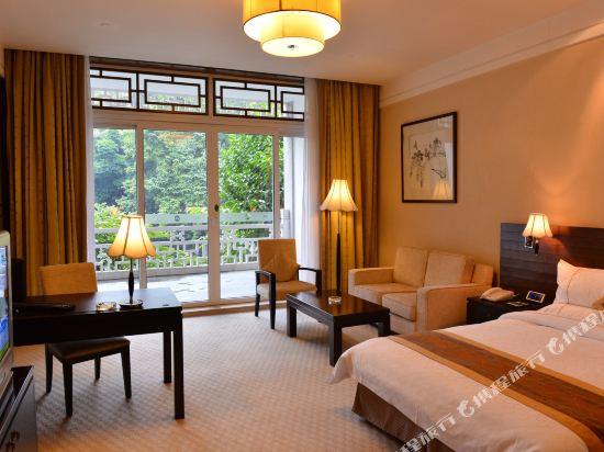 廣東迎賓館(Guangdong Yingbin Hotel)園景行政大床房(碧海樓)