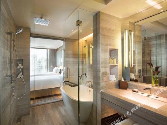 曼谷素坤逸希爾頓酒店(Hilton Sukhumvit Bangkok)行政套房