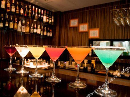 康帕斯酒店集團素坤逸11巷瑞士大酒店(Grand Swiss Sukhumvit 11 by Compass Hospitality)酒吧