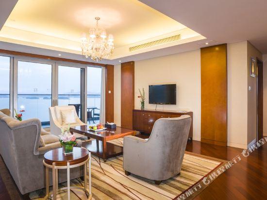 千島湖綠城度假酒店(1000 Island Lake Greentown Resort Hotel)270度湖景套房