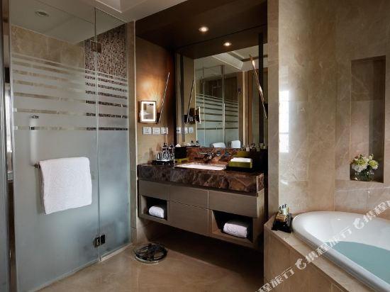 索菲特曼谷素坤逸酒店(Sofitel Bangkok Sukhumvit)豪華行政房