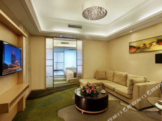深圳中南海怡酒店(South China Laguna Hotel)豪華大床套房