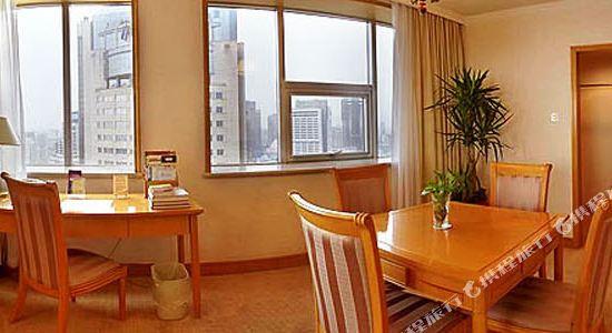 浙江大酒店(Zhejiang Grand Hotel)湖景大套房客廳
