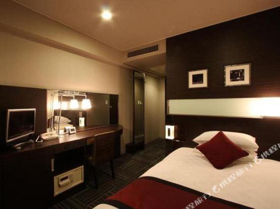 新宿王子大酒店(Shinjuku Prince Hotel)小間大床房