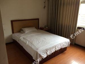 興山張琴旅館