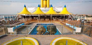 海豚座游泳池