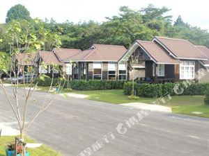 昌普瑞亞度假村(Chanpraya Resort)