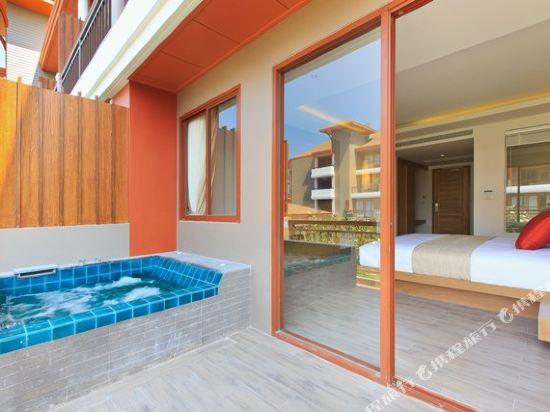 艾瑞斯華欣酒店(Ayrest Hua Hin Hotel)豪華泳池房-按摩浴缸