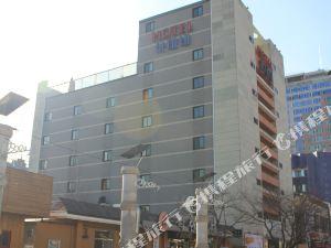 泰特酒店(Hotel Tate)