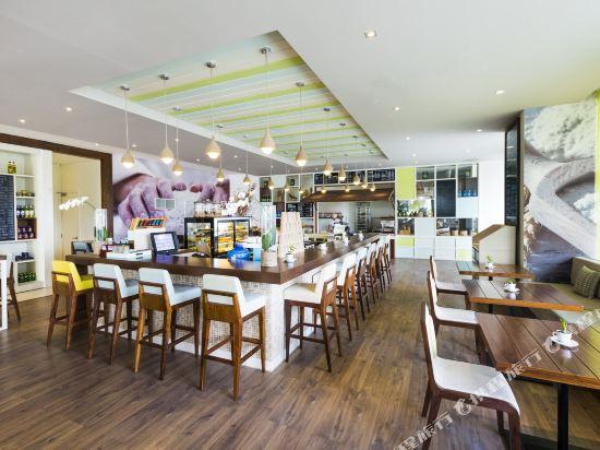 樂卡爾特峴港海灘酒店(A La Carte Da Nang Beach)餐廳