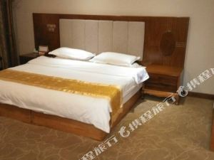 龍陵玉龍商務酒店