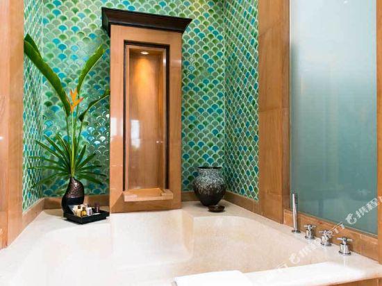 芭堤雅洲際度假酒店(InterContinental Pattaya Resort)豪華園景亭房