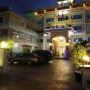 白色海灘酒店(White Beach Hotel)
