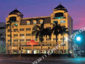 三寶攏新的地鐵酒店(New Metro Hotel Semarang)