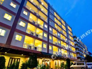 芭堤雅黃金海酒店