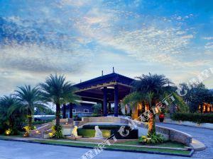 考拉盛泰樂中央海灘度假村(Centara Seaview Resort Khao Lak)