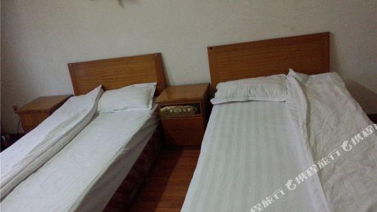 Wolong Hotel