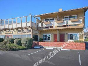 聖西蒙銀色沖浪汽車旅館(Silver Surf Motel San Simeon)