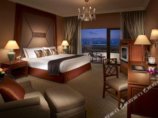 曼谷香格里拉大酒店(Shangri-La Hotel Bangkok)曼谷翼豪華陽台房