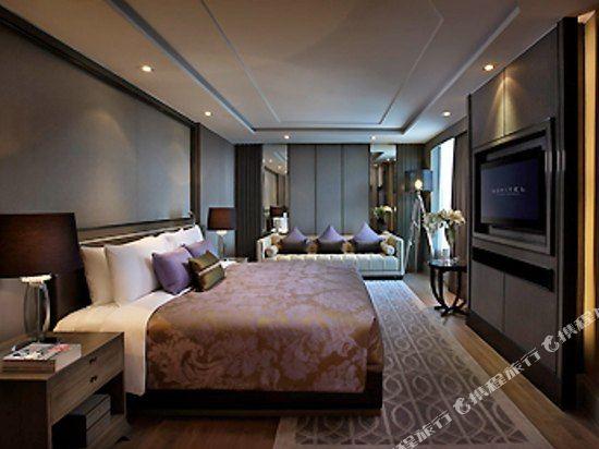 索菲特曼谷素坤逸酒店(Sofitel Bangkok Sukhumvit)高級套房