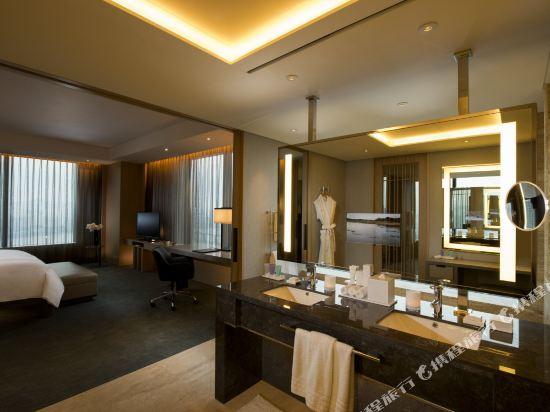 韓國首爾國際金融中心康萊德酒店(Conrad Seoul IFC Korea)河景至尊轉角套房