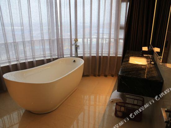 維納斯皇家酒店(佛山南海萬達廣場店)(原凱利萊國際酒店)(Venus Royal Hotel (Foshan Nanhai Wanda Plaza))行政套房