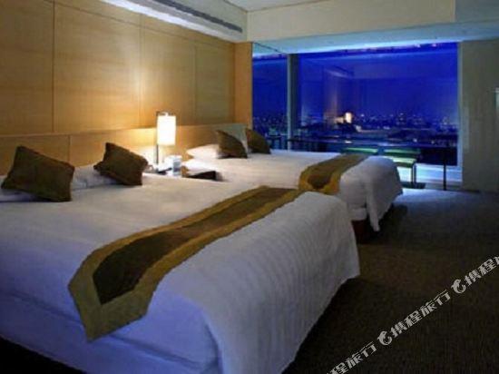 台中烏日清新温泉飯店(Freshfields)城市高樓景觀雙人房