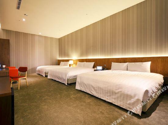 頭等艙飯店(台中綠園道館)(Airline Inn Taichung Green Park Way)精致三人房(3小床)