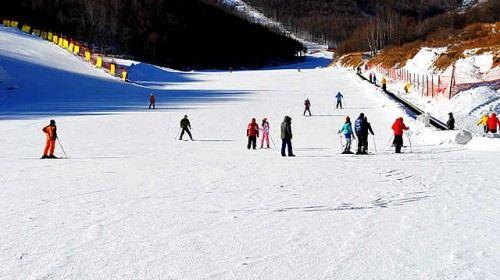桃花峪生態滑雪場